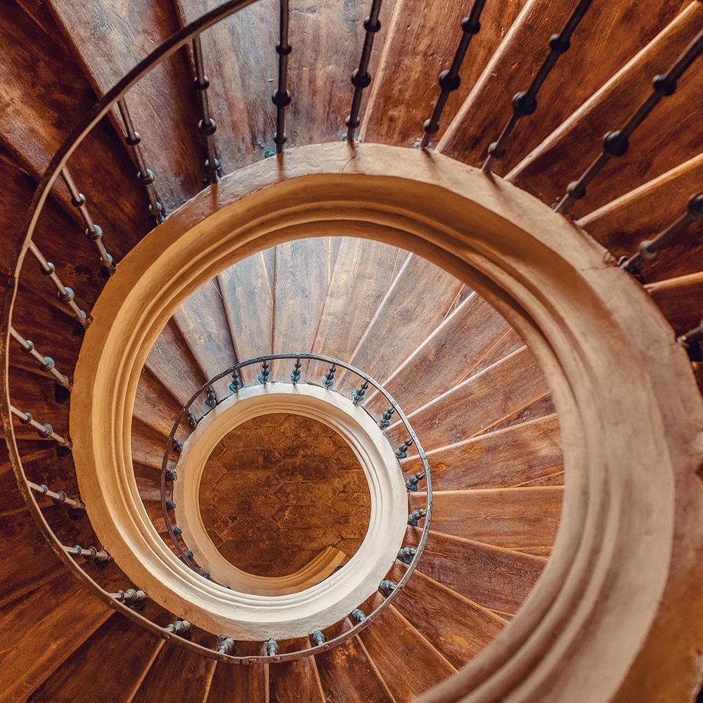 Schritte der Systemischen Elternberatung und Familientherapie (Treppe als Sinnbild)
